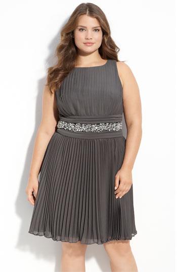 Модели новогодних платьев для полных