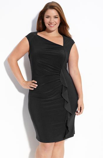10 лучших моделей новогодних платьев 2012 для полных модниц.